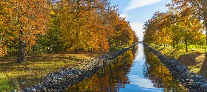 fall is a wonderful time to enjoy shopping, dining, and the wonderful sights in Flemington, Hunterdon County NJ